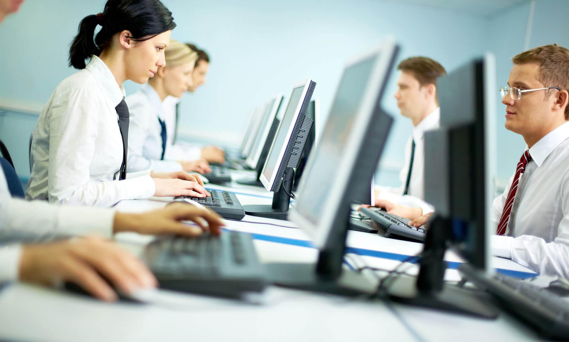 Haker: Aziende e professionisti colpiti a migliaia